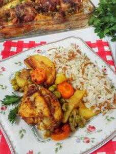 Kolay Sebzeli Tavuklu Fırın Yemeği
