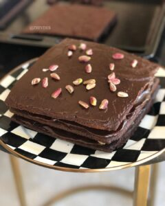 Boll Çikolatalı Fıstıklı Pasta
